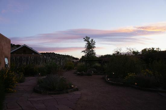 Ojo Caliente Mineral Springs Resort and Spa: Sunrise view from cliffside suite