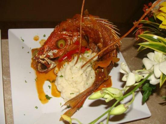 Red Flamboyan Restaurant: Whole Red Snapper
