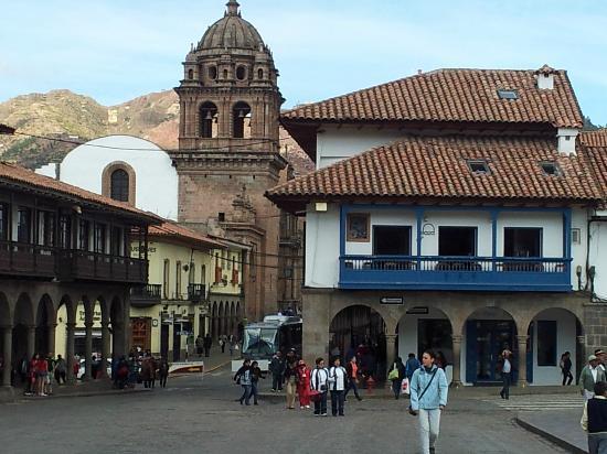 Plaza de armas cusco hotel hotel con sus balcones hacia la plaza