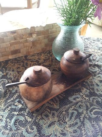 Amori Villas: Salt & Pepper Shakers - cute