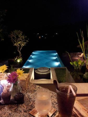 Amori Villas: Infinity Pool at Night