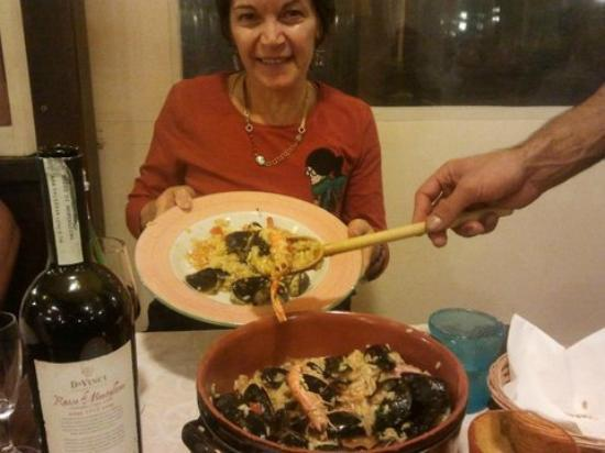 La Barcaccia : Caroline from Australia enjoying the 'seafood risotto'