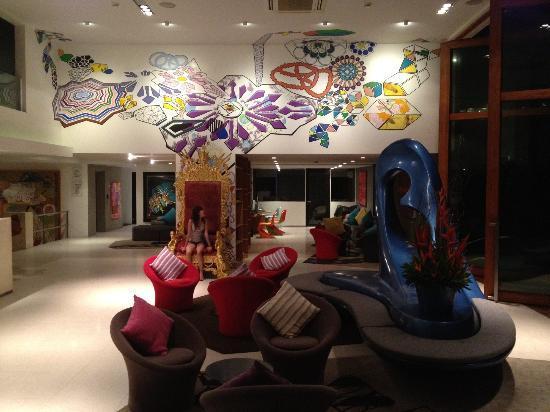 B-Lay Tong Phuket: Lobby