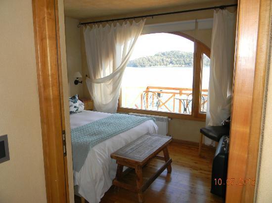 Lirolay Suites: habitacion