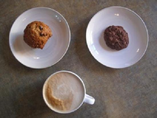 Fresh Bakery and Cafe: latte, chocolate zuchinni muffin and a chilli chocolate cookie.