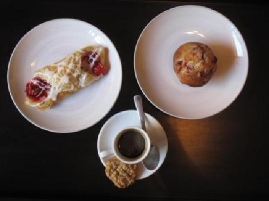 Fresh Bakery and Cafe: cherry danish, espresso with oatmeal cookie and raspberry chocolate chip muffin!