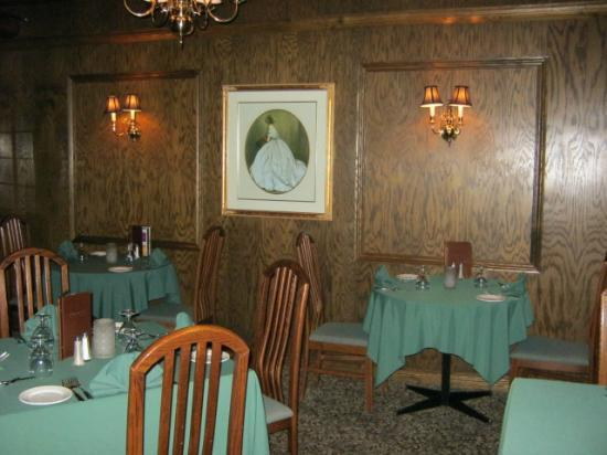 Riverview Lodge : Formal dining room
