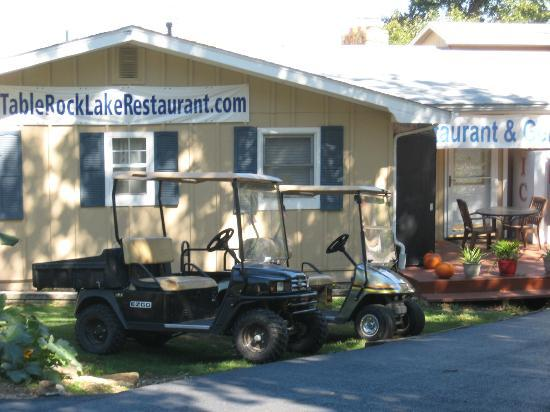 Lakeside Restaurant & General Store: Exterior of the Restaurant