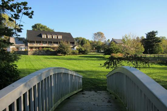 Pheasant Run Farm: bridge view