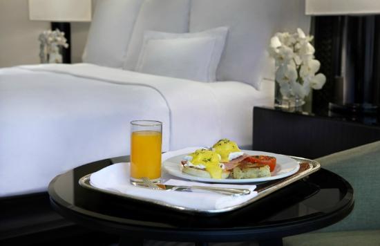 JW Marriott Hotel Bangkok: Breakfast in Room