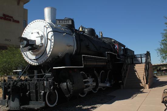 هيلتون جاردن إن يوما بيفوت بوينت: steam train 