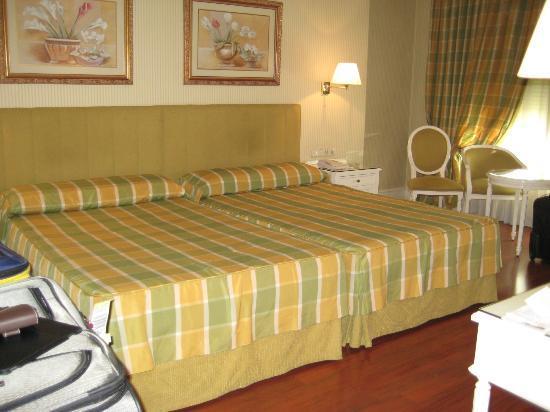 Hotel Atlantico: Very spacious room