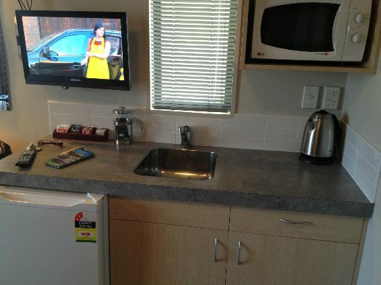 Bella Vista Motel: Kitchenette Area