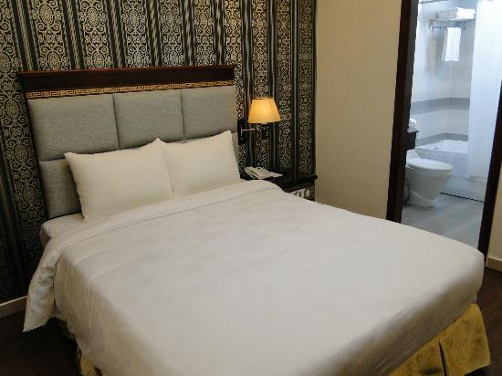 Signature Saigon Hotel: nice bed