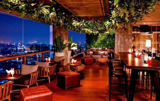 Scarlett wine bar restaurant bangkok silom for The terrace bar and food
