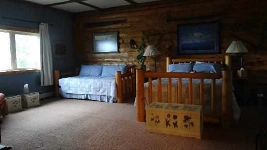 Pioneer Ridge Bed and Breakfast Inn: one of the bedrooms