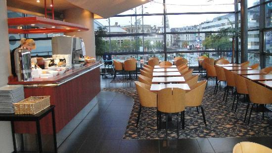 Hotel Lille Europe: The breakfast room