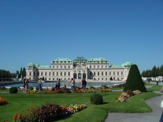 Belvedere Palace Museum: ベルベデーレ宮殿にはクリムトの「抱擁」が・・・