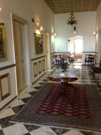 Halepa Hotel: Interior