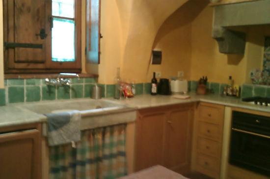 Villa Il Paradisino: the extremely well equiped kitchen