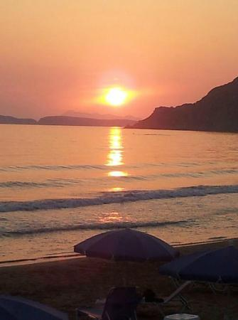 Akti Arilla Hotel: Just one of the beautiful sunsets in Arillas :-) Miss it very much !!