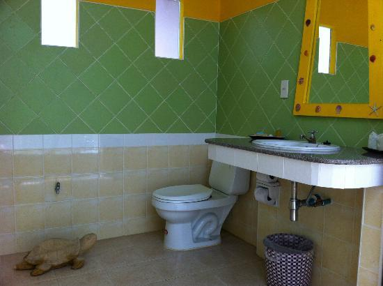 Lawana Resort: Great bathroom.