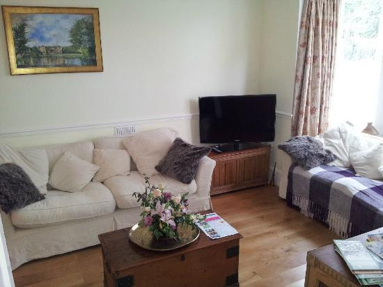 Bryn Awel Bed & Breakfast St Davids: guest lounge