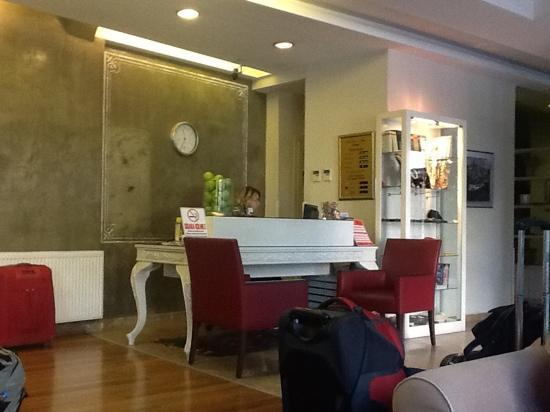 Hotellino Istanbul: Rezeption 