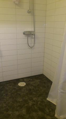 Best Western Hotel City Gavle : The shower