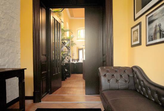 Mezzo Restaurant: Eingangsbereich