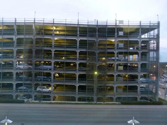 Mövenpick Hotel Nuremberg-Airport: Zimmeraussicht - ohne Lärm