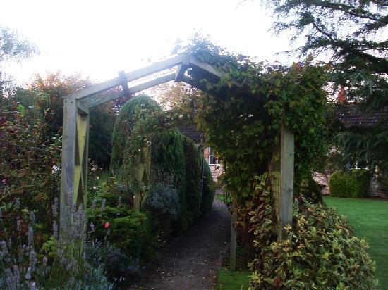 Widbrook Grange: garden