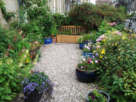 Emmaus House, Edinburgh SCIO: Front Garden