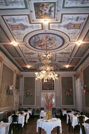 Hotel Reale: splendides fresques du XIXe