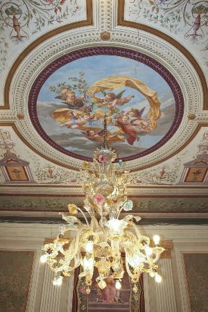 Grand Hotel Reale: on y mange avec la tête levée au ciel ...