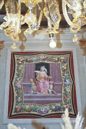 Grand Hotel Reale: la salle à manger comme une salle d'une musée 