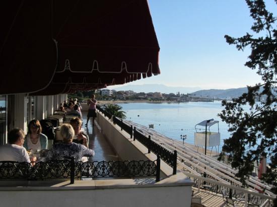 Hotel Jadran: Außenbereich des Speisesaals Mitte Oktober