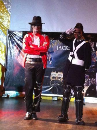 VIK Hotel Arena Blanca: show mickael jackso