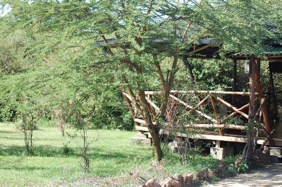 Olowuaru Keri Mara Camp: Natural Surroundings