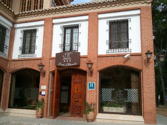 Hotel Dona Manuela: Fachada