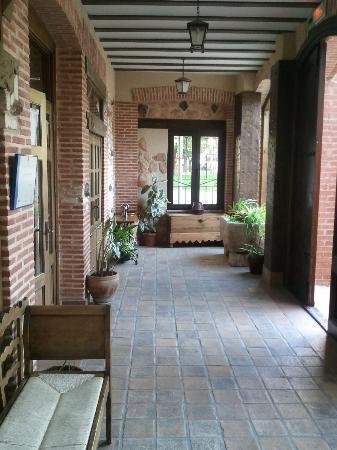 Hotel Dona Manuela: Entrada
