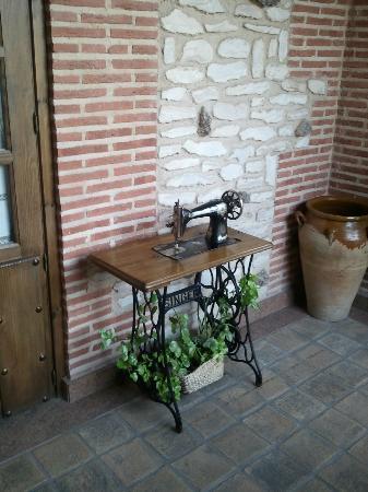 Hotel Dona Manuela: Máquina de coser