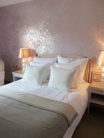Hotel Le Parc : lit douillet