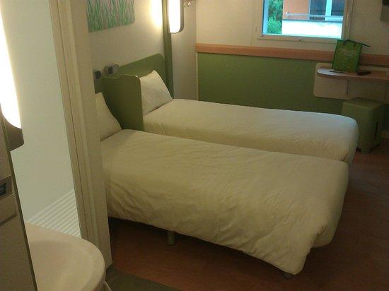 Ibis budget Lugano Paradiso: Version avec 2 lits (octobre 2012 sportgogo)