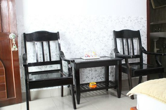Hai Dang Hotel: Living room