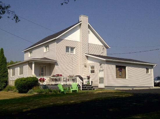 Chez-Vous, Chez-Nous: 160 Lafontaine Road, West