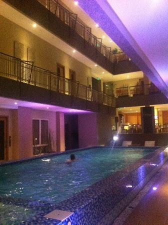 Rivavi Fashion Hotel: The pool