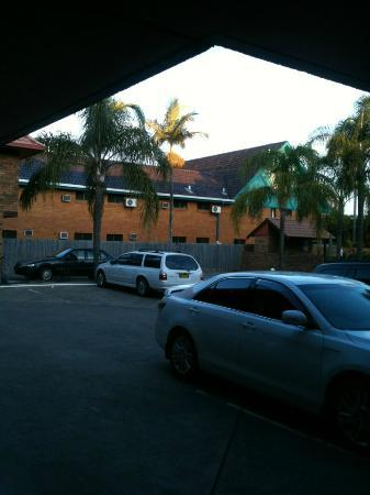 Royal Palms Motor Inn: View from room