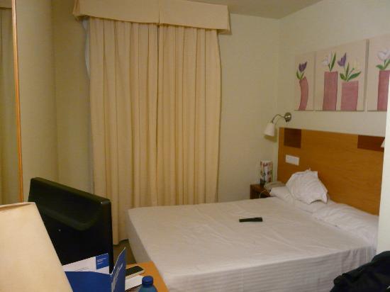 """Gran Ducat Hotel: Chambre - attention vue sur """"cour"""" intérieure"""