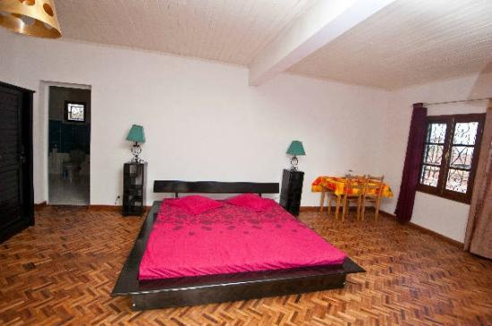 Villa Ny Telomiova : chambre